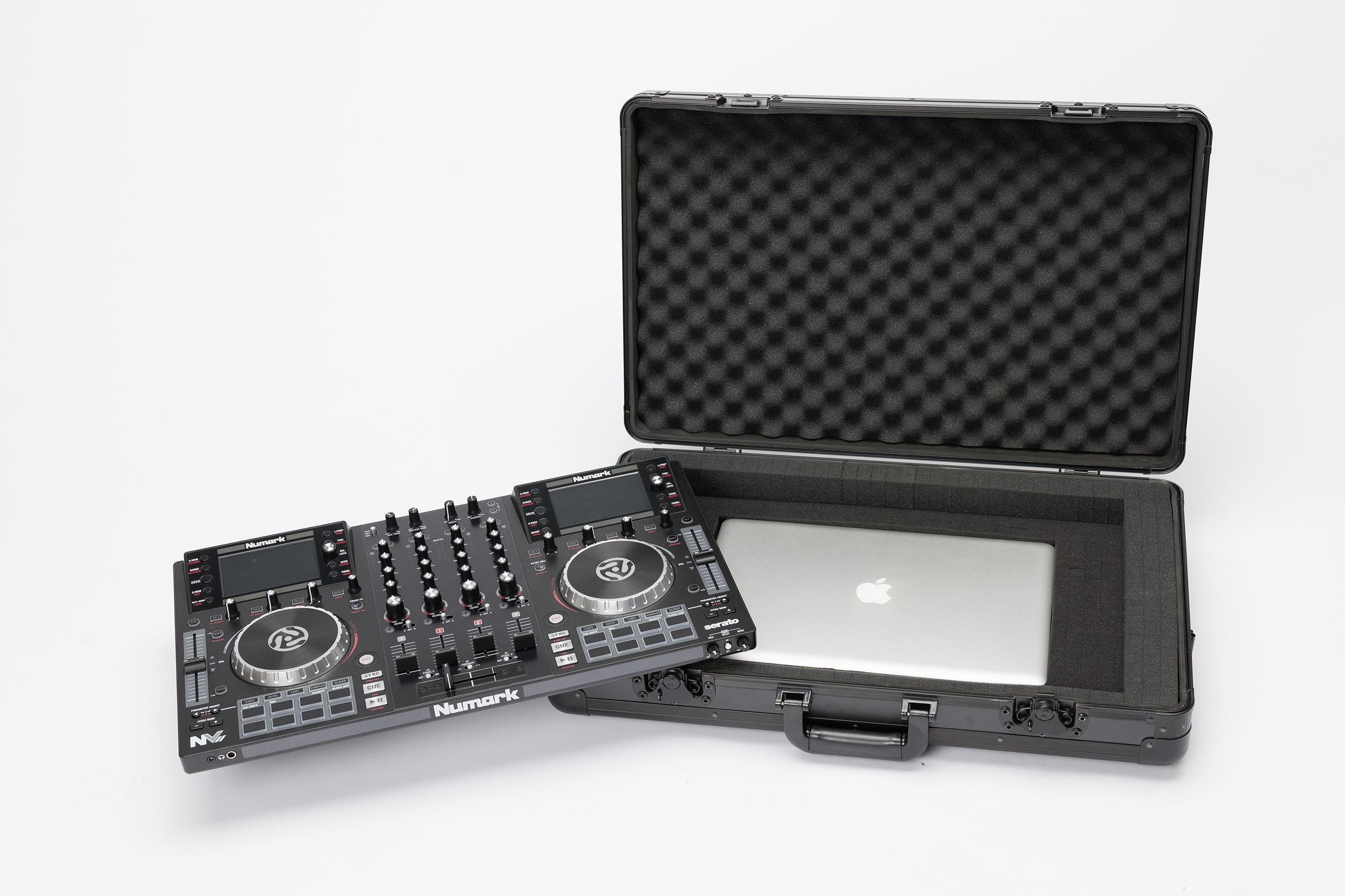 Magma Carry-Lite DJ-Case L Universal Lightweight DJ Case w// Foam Interior